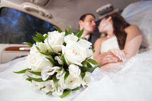 Wedding Limo Service Westland MI - Shuttle Transportation - Royal Limousine - wedding(2)
